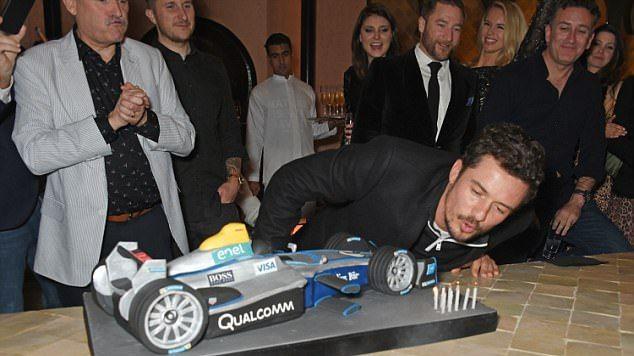 بالصور: هكذا احتفل نجم هوليود أورلاندو بعيد ميلاده بمراكش   www.le360.ma