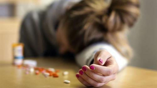 انتحار فتاة