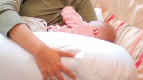 متاجرة في الرضع