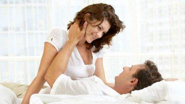 3048fe6d10dac حركات تثير الزوج في الفراش