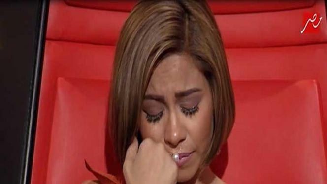 شيرين تبكي
