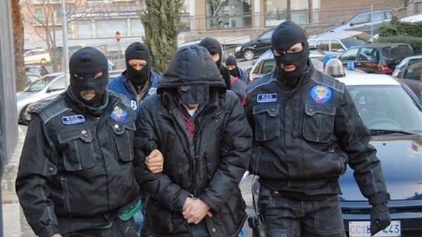 الشرطة الإيطالية تعتقل