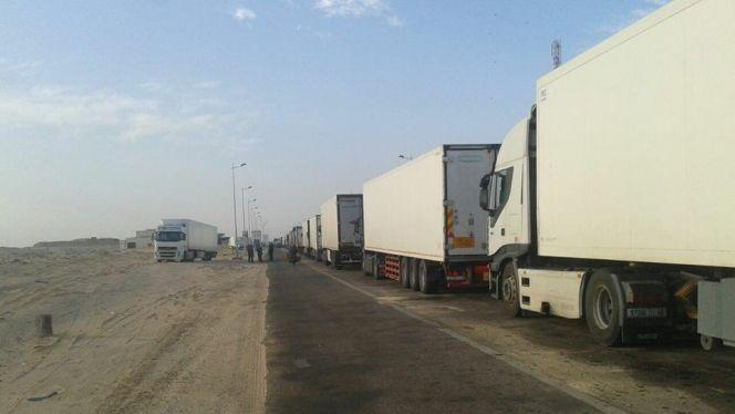 شاحنات مغربية بمنطقة قندهار