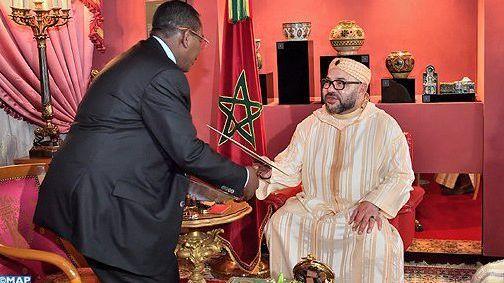 الملك يستقبل مبعوث رئيس جنوب السودان