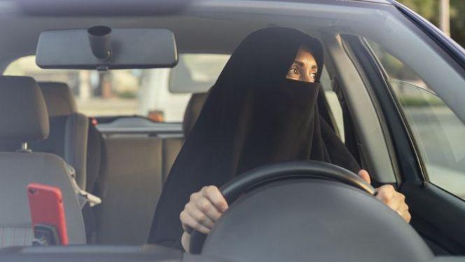 سياقة سيارة سعودية