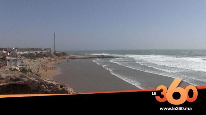 cover: شاطئ إمسوان.. قِبلة العْرْسَان لقضاء شهر العسل