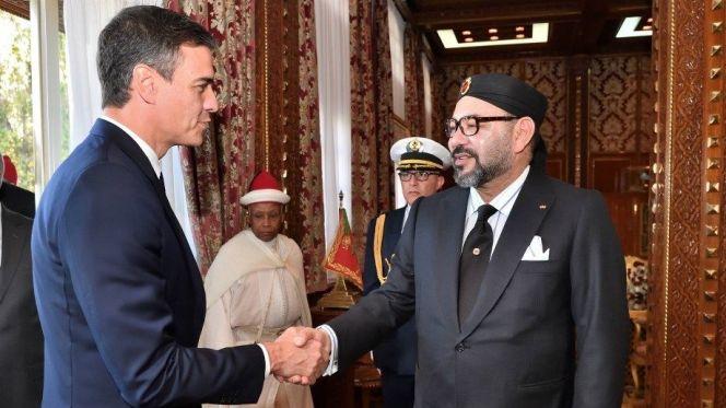 الملك محمد السادس ورئيس الوزراء الإسباني بيدرو شانتشيز