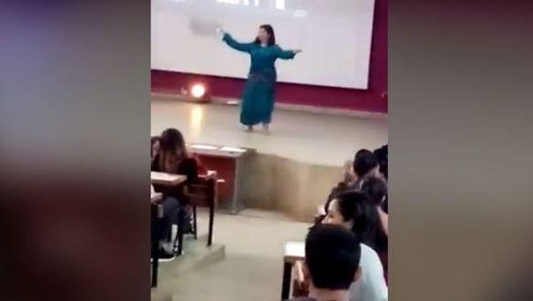 رقض طالبة
