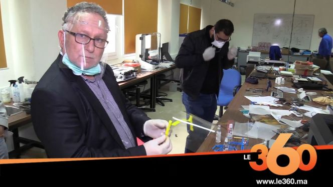 Cover_Vidéo: أساتذة جامعيون بوجدة يصنعون أقنعة واقية