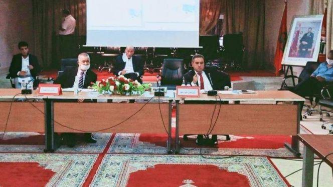 بالصور: مجلس إقليم الناظور يصادق على اتفاقية شراكة لبناء مركز تصفية الدم