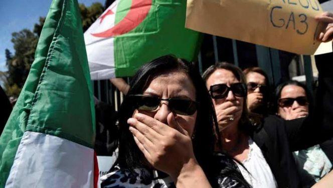 سوط القمع بالجزائر ينهال على حرية الصحافة