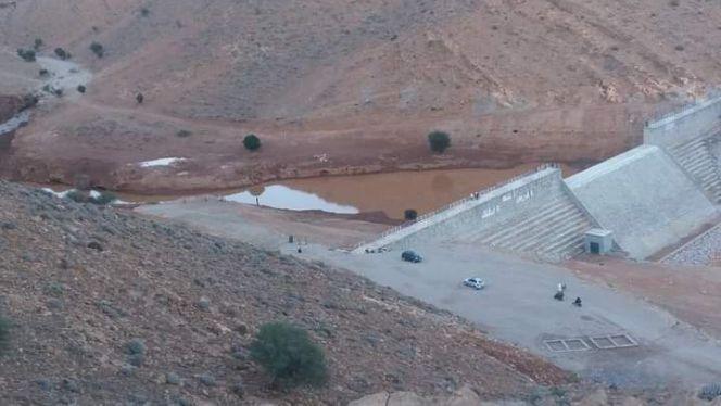 اختفاء مياه سد بإفران