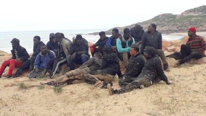 إنقاذ مهاجرين سريين من العرق بسواحل طنجة
