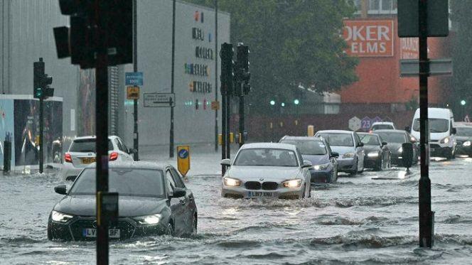 فيضانات لندن