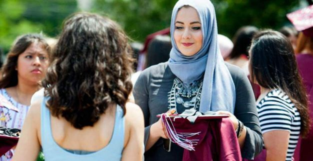 تلميذة فلسطينية