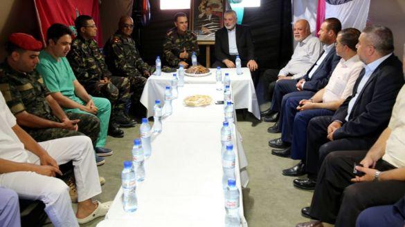إسماعيل هنية في المستشفى العسكري المغربي