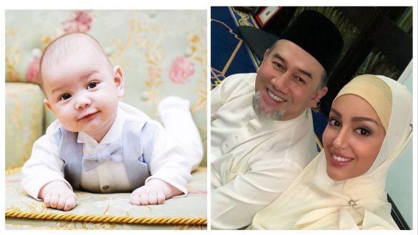 ملك ماليزيا وطفل