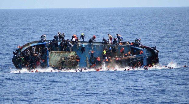 مأساة مهاجرين انقلب قاربهم بالبحر المتوسط