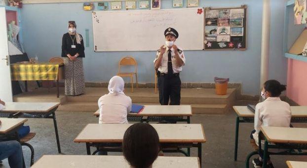 أمن وجدة يستمر في حملاته التحسيسية بالمؤسسات التعليمية