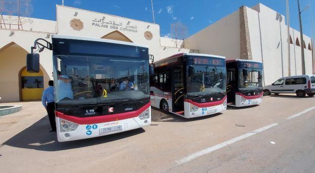 حافلات جديدة تجوب شوارع العيون