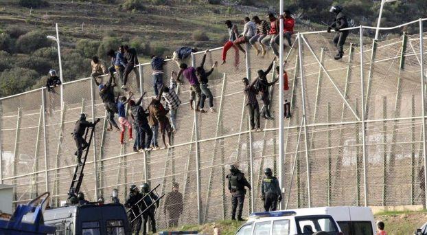 الحاجز الحدودي بين المغرب وإسبانيا