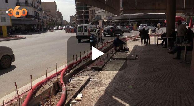 Cover Vidéo - تعثر أشغال تهيئة شارع محمد الخامس يغضب الساكنة والتجار بفاس