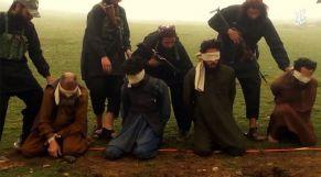 داعش يعدم أفغانيين 2