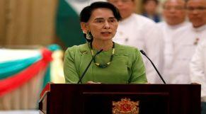 زعيمة بورما