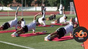 الأسود يتدربون