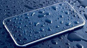 الهاتف والماء