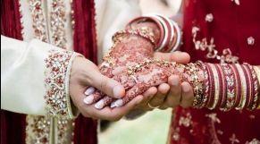 زوجين هنديين