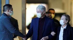 الرئيس الأمريكي الأسبق بيل كلينتون يغادر المستشفى بعد خضوعه لعلاج استمر خمسة أيام