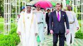 الملك وشيخ الإمارات