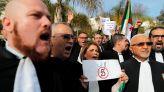 قضاة الجزائر يحتجون