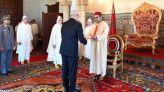الملك يستقبل السفراء الأجانب