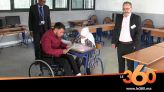 Cover_Vidéo: Le360.ma • تلميذ بطنجة يتحدى الشلل النصفي ويستعين بأخته لاجتياز الباكالوريا