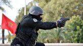 شرطي مغربي يطلق النار