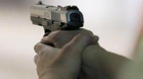 إطلاق الرصاص على مجرم