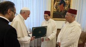 الملك محمد السادس يبعث رسالة خطية إلى البابا فرانسيس