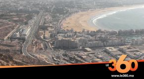Cover_Vidéo: Le360.ma •ساكنة أكادير ومهنيو السياحة ينوِّهون بمضامين خطاب المسيرة الخضراء