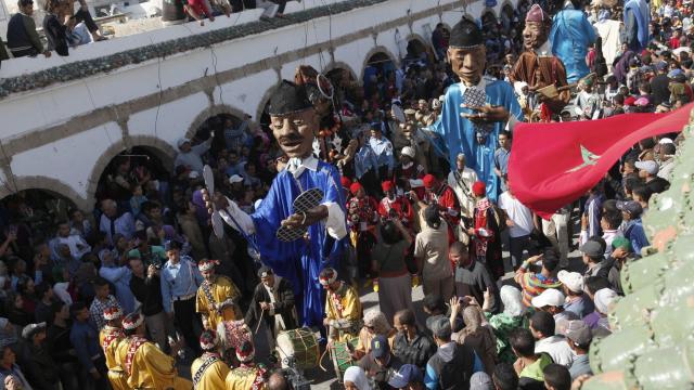 Festival Gnaoua 2013 - Ouverture - Parade marionette