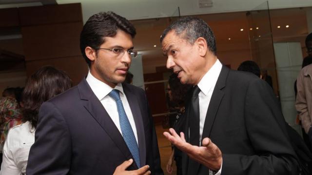 Mamoun Bouhadhoud, ministre délégué,chargé des petites etreprises et l'intégration du secteur informel et Boubker Jai DG, AWB