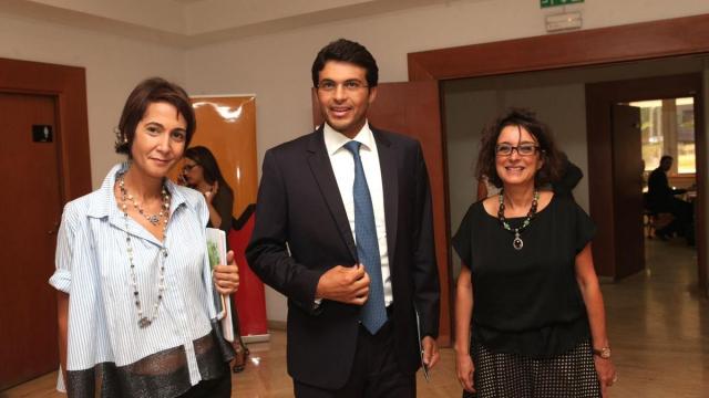 Meriem Tarik,directrice RP Attijariwafa bank et  Mamoun Bouhadhoud, ministre délégué,chargé des petites etreprises et l'intégration du secteur informel