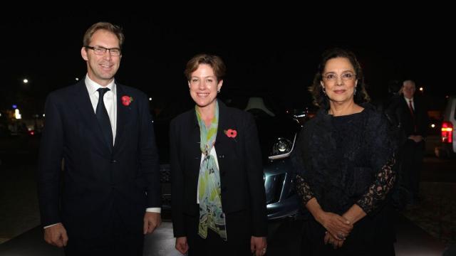 Tobias Ellwood,secrétaire d'etat britanique.Karen Elizabeth Betts  ambassadeur du Royaume-Uni au Maroc et saida karim lamrani