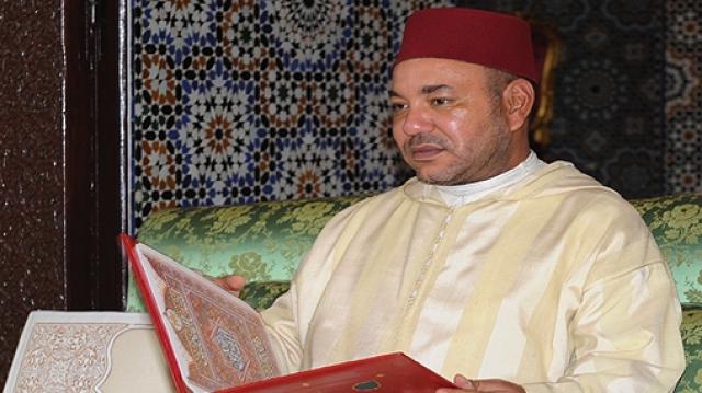 Le roi accomplit la prière du vendredi à M'Diq