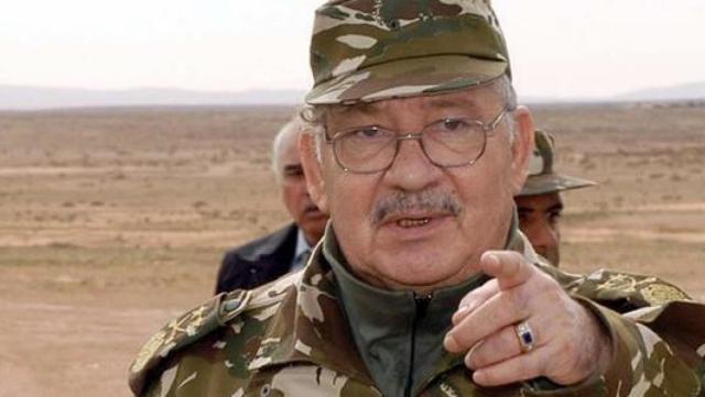 Algérie: le vocabulaire de guerre de Gaïd Salah inquiète les Algériens