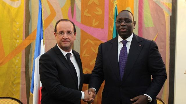 """Sénégal: les intérêts français """"mieux préservés"""" que jamais visite d'Etat de Macky SAll en France (7818)"""