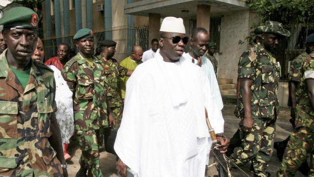 Gambie: les ministres ambassadeurs officiers quittent le navire