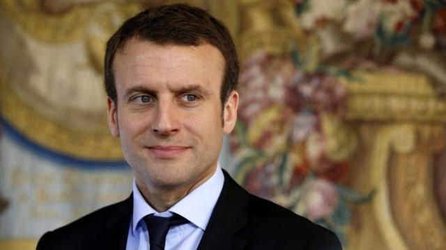 Macron seul