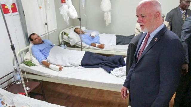 Peter Thomson au chevet des Casques bleus marocains blessés en Centrafrique